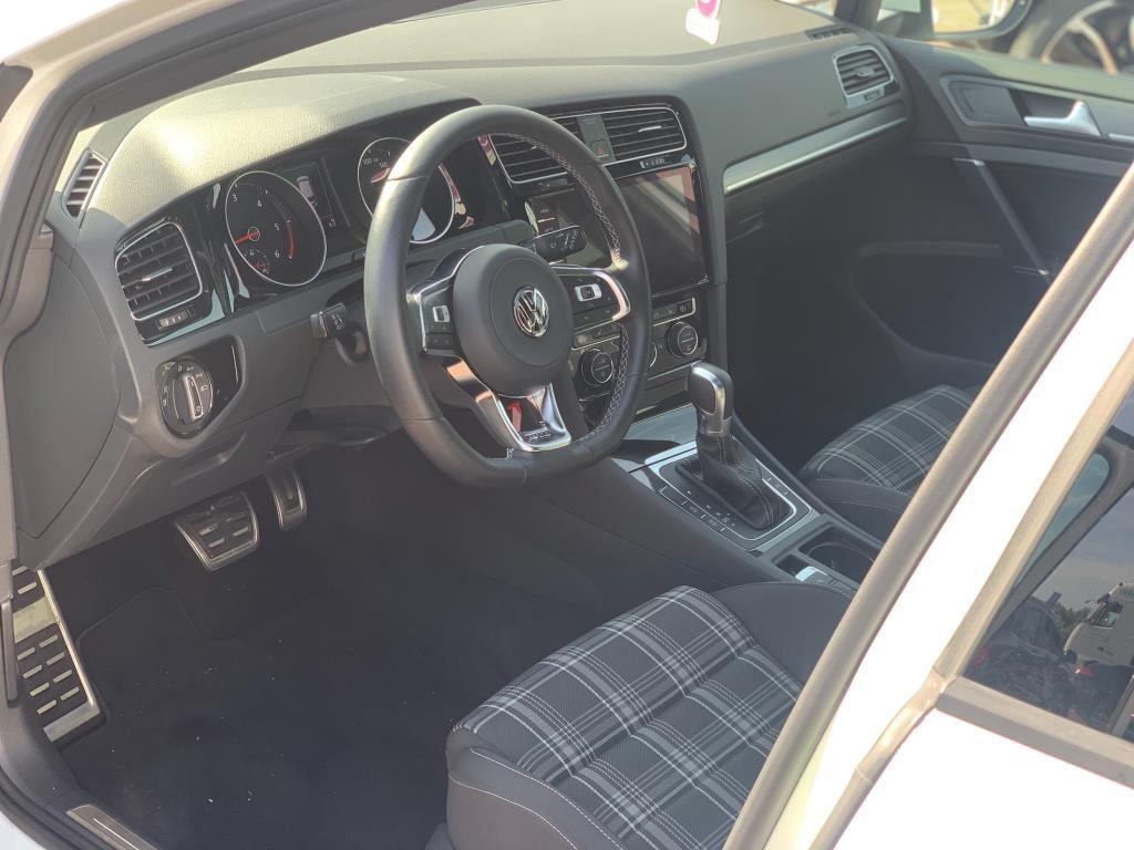 Volkswagen Golf occasion - Car Hunters B.V.