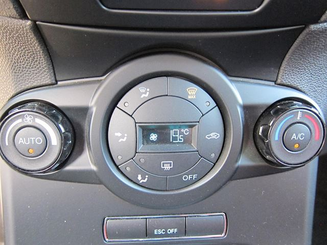 Ford Fiesta 1.6 ST2 RECARO NAVI CAMERA DEALER ONDERHOUDEN!!