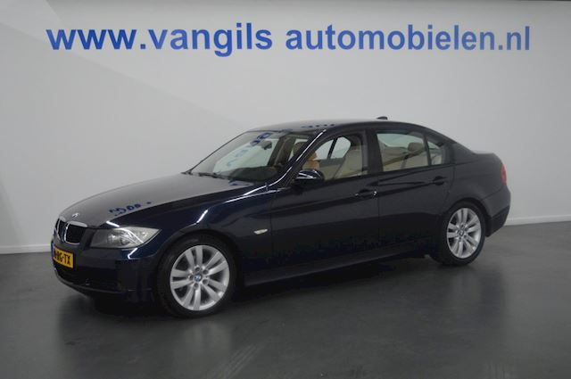BMW 3-serie 320i Dynamic Executive Leer, airco, Navi, PDC