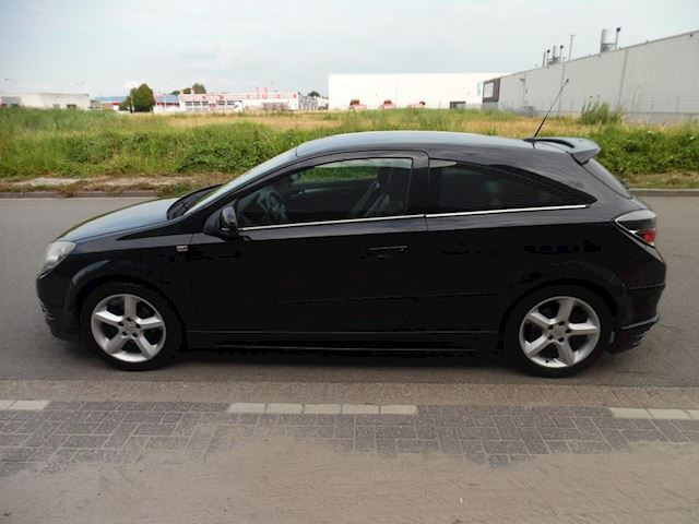 Opel Astra GTC 1.6 Cosmo