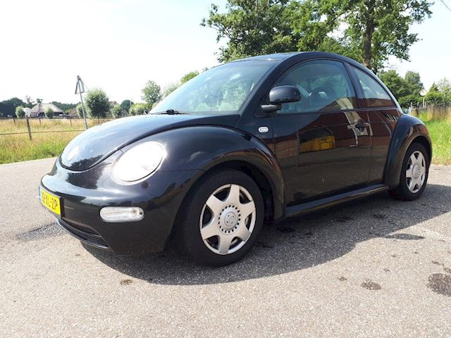Volkswagen New Beetle 2.0 Highline MET VOL JAAR A.P.K.  AIRCO