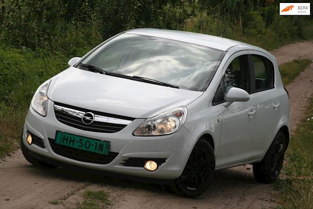 Opel Corsa 1.4-16V Sport Vol opties