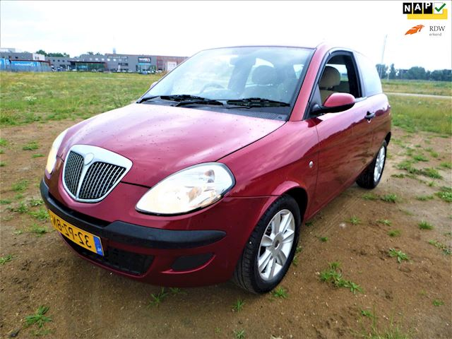 Lancia Ypsilon 1.2 2005 NW MODEL FACELIFT TOPSTAAT