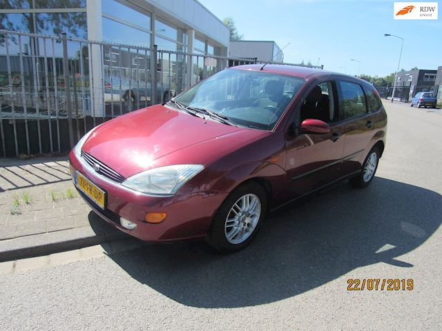 Ford Focus 1.6-16V Ghia airco,trekhaak