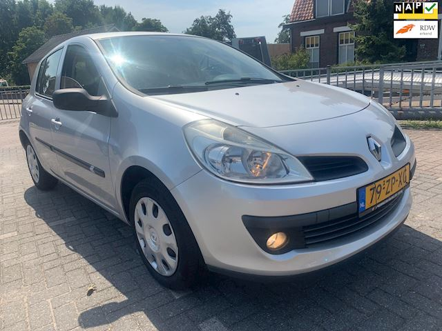 Renault Clio 1.2-16V Authentique -5 drs 100.000km