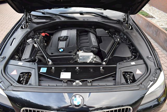 BMW 5-serie 528i Executive AUTOMAAT/XENON/NAVI/PDC/HEAD-UP/CRUISE/NETTE STAAT!