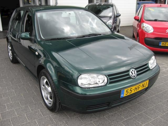 Volkswagen Golf 1.6-16V
