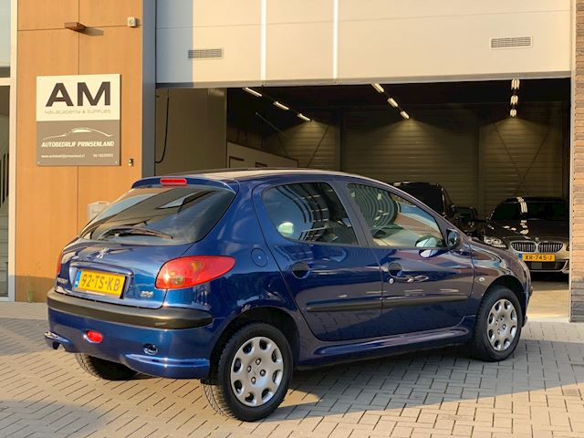 Peugeot 206 1.4 One-line | airco |
