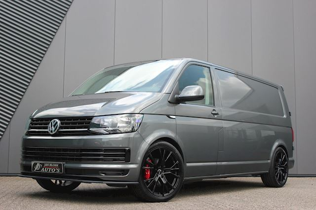 Volkswagen Transporter 2.0 TDI L2H1 150PK / LANG / ELEK-PAKKET / APPLE CARPLAY / 18DKM / NIEUWSTAAT / 6-BAK