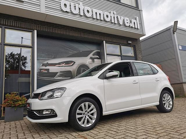 Volkswagen Polo 1.2 TSI Highline CRUISE BLUEMOTION bj 2015