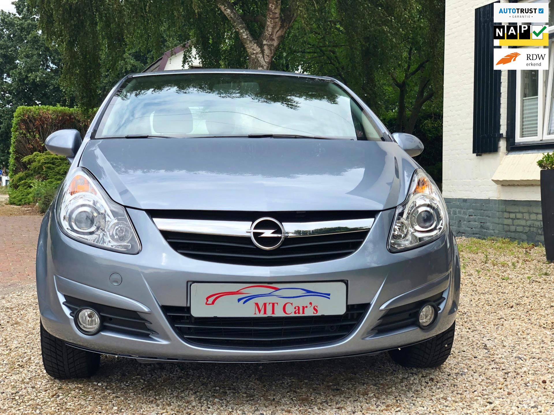 Opel Corsa occasion - M.T.  Car's & Carcleaningcenter