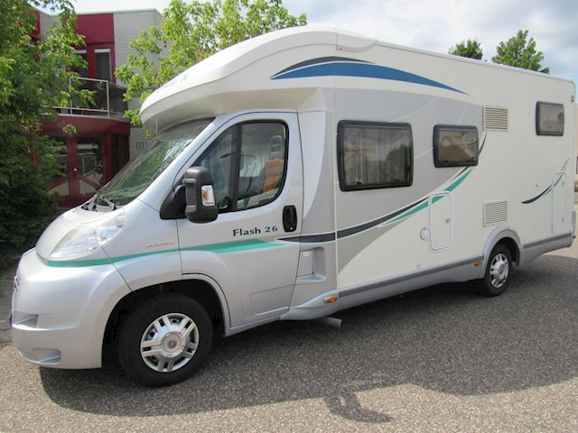 Chausson Flash integraal Bj 2011 Airco vast+hefbed Fiat 131PK