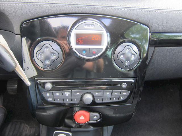 Renault Clio Estate 1.2 TCE Night & Day LEDER NAVI PANO DAK PDC!!