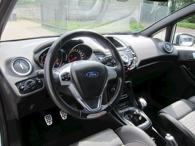 Ford Fiesta 1.6 ST2 LEDER RECARO ECC 1ste EIGENAAR!!