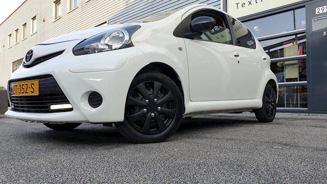 Toyota Aygo 1.0 VVT-i  Xpress Airco/Bluetooth/Nw APK/Garantie!!