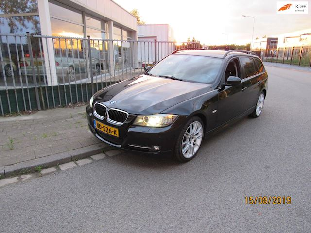 BMW 3-serie Touring 318i Executive facelift,navi,airco,xenon