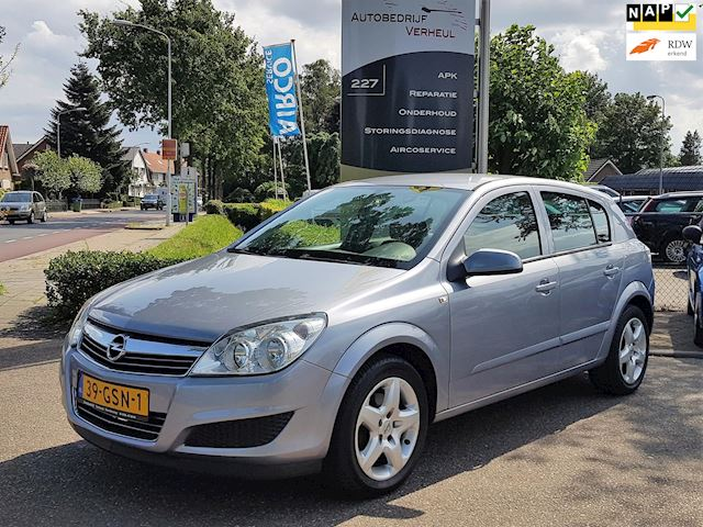 Opel Astra 1.4 Business 5 Drs Navi Parkeersensor Airco Cruise Nap Boekjes