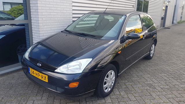 Ford Focus 1.4-16V Trend AIRCO, APK 08-2020, RIJD GOED