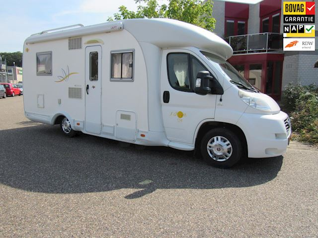 Elnagh X-dream Semi integraal vast bed Airco bj 2008