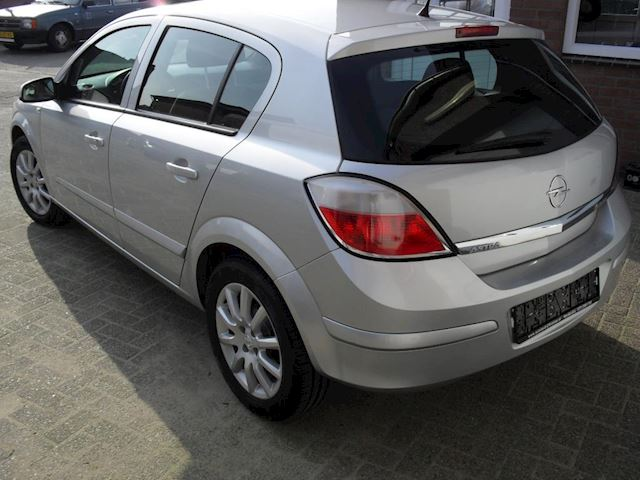 Opel Astra 1.6 Cosmo