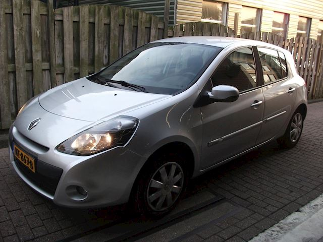 Renault Clio 1.5 dCi Collection AIRCO ZEER NETTE AUTO