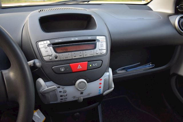Peugeot 107 1.0 Access Accent 5 DRS/AIRCO/CENTRALE VERGRENDELING/NWE APK!