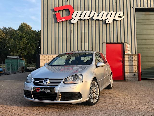 Volkswagen Golf 3.2 R32