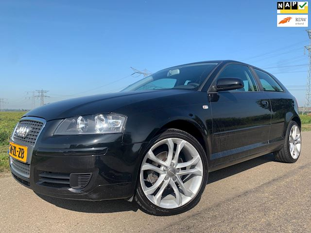 Audi A3 1.6 Attraction Pro Line Business Aut.