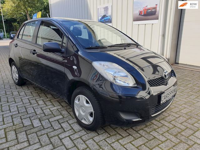 Toyota Yaris 1.0 VVTi Cool 5DRS NETTE STAAT!