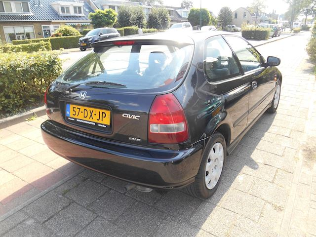 Honda Civic 1.4i S
