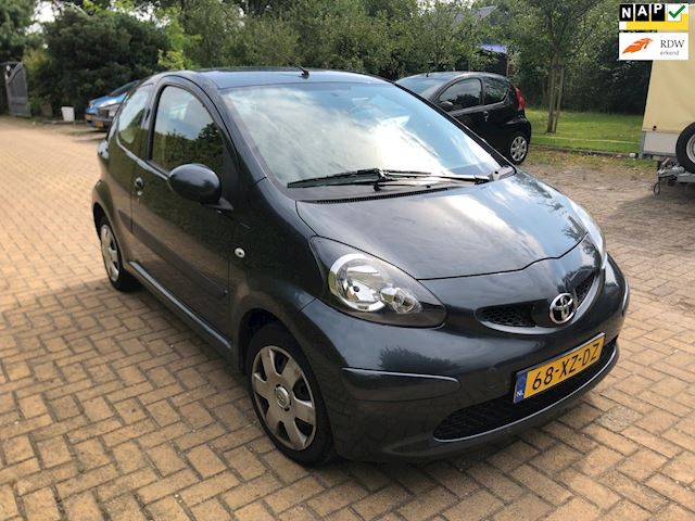Toyota Aygo 1.0-12V + automaat, Dealerauto, rijdt perfect