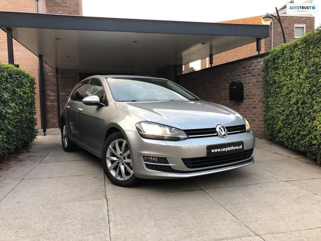 Volkswagen Golf occasion - Carplatform