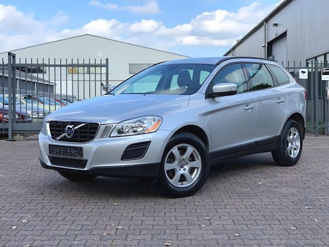 Volvo XC60 2.0 D3 FWD Kinetic Drive