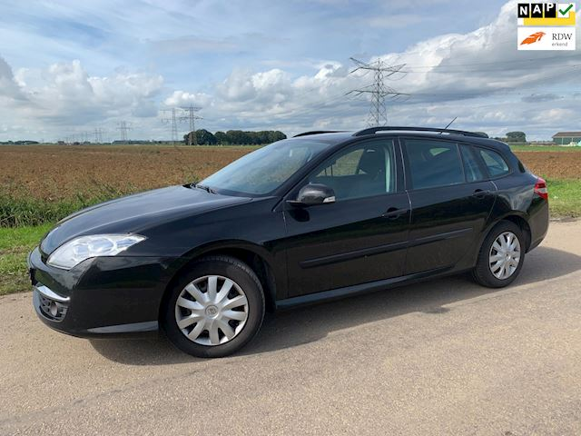 Renault Laguna Estate 2.0 dCi Expression / nw model