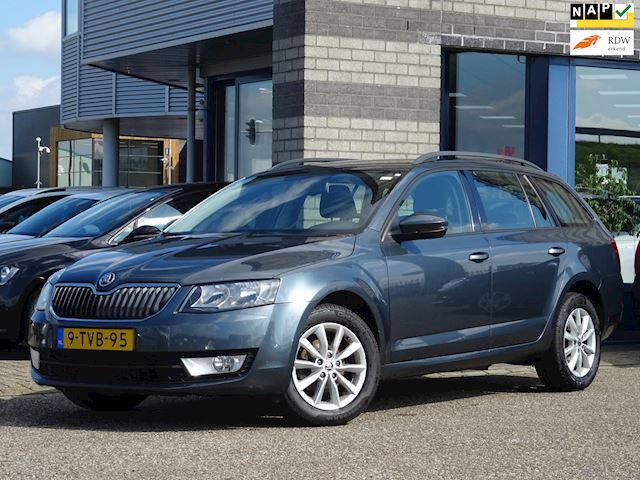Skoda Octavia Combi 1.2 TSI Greentech Ambition Businessline FULL-MAP NAVI ECC PDC TREKHAAK LMV ROOF-RAIL MULTI-STUUR