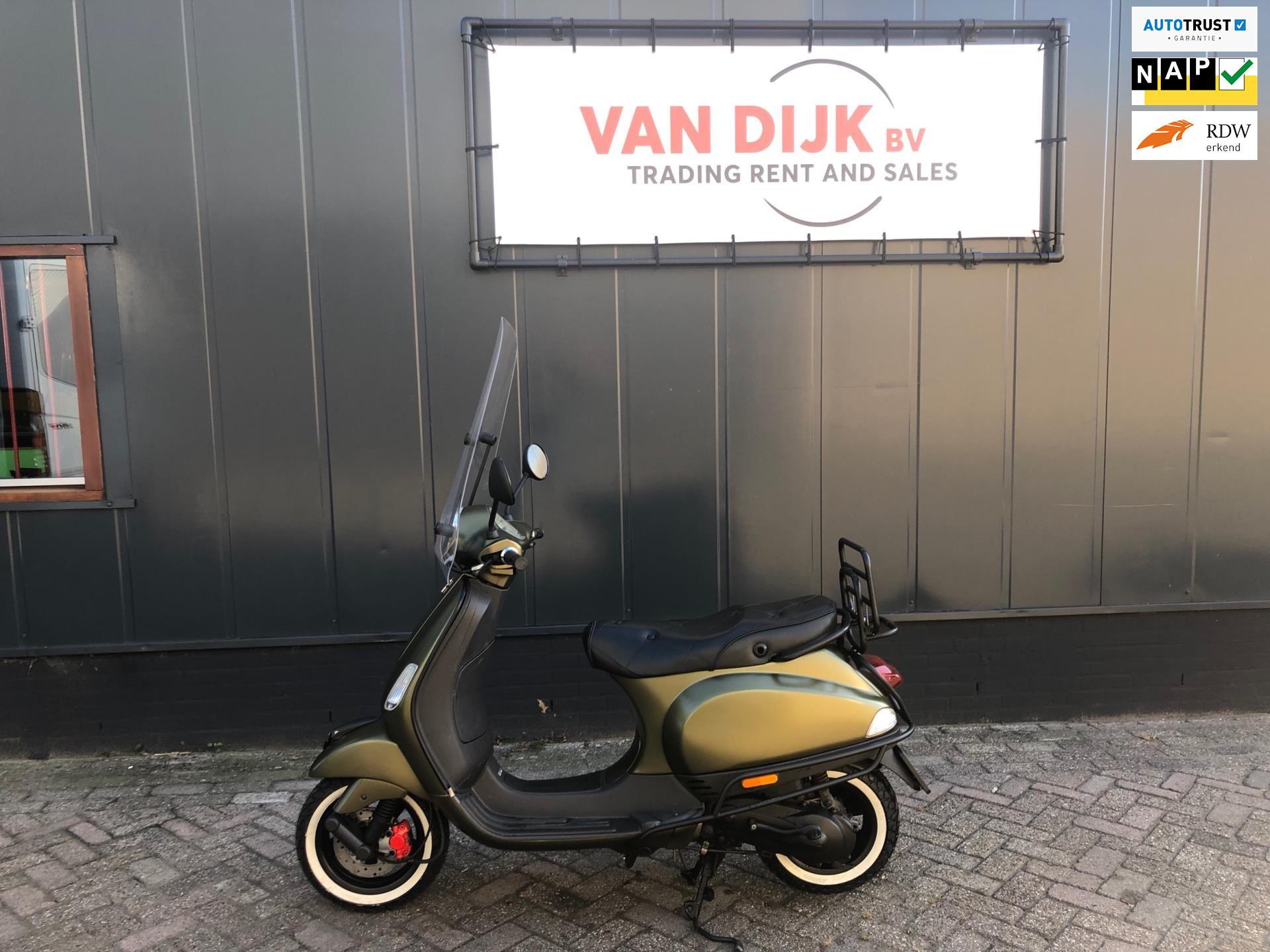 Vespa Snorscooter occasion - Autobedrijf van Dijk