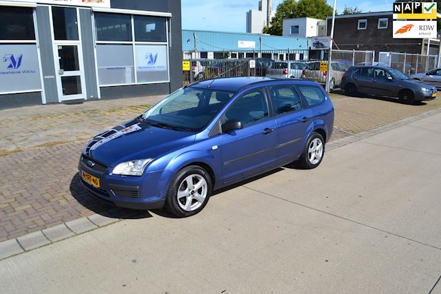 Ford Focus Wagon 1.6-16V Ambiente