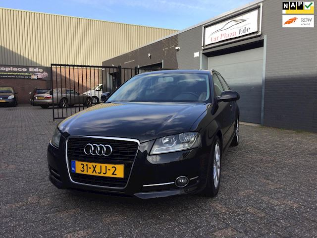 Audi A3 Sportback 1.6 TDI Attraction Pro Line Business Clima Cruise Elek. Pakket LED LM-Wielen Chrome Lijsten NAP