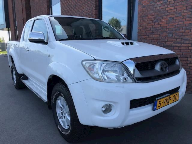 Toyota HiLux 2.5 D-4D SX Xtra Cab AIRCO/LEER/SIDE STEPS