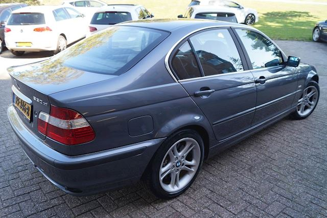 BMW 3-serie 330xi Youngtimer Cruis Controle Trekhaak
