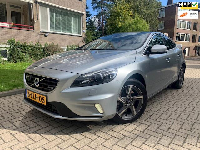 Volvo V40 2.0 D4 R-Design Business NAVI/LEER/MF STUUR/PANORAMA/APK