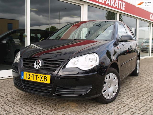 Volkswagen Polo 1.4-16V Optive automaat, airco