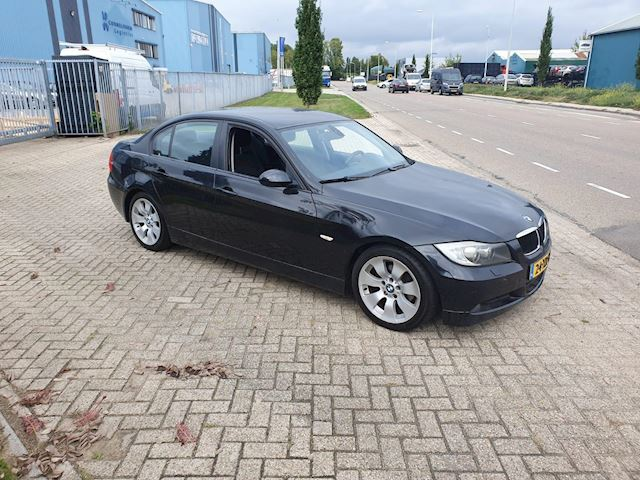 BMW 3-serie 320i High Executive