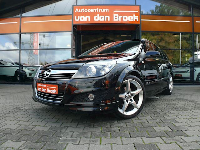 "Opel Astra Wagon 1.6 Cosmo OPC Line Xenon Leder Climate Cruise Ctr 18"" Chroom Pakket Apk"