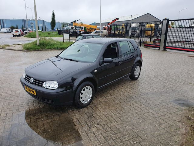 Volkswagen Golf 1.4-16V