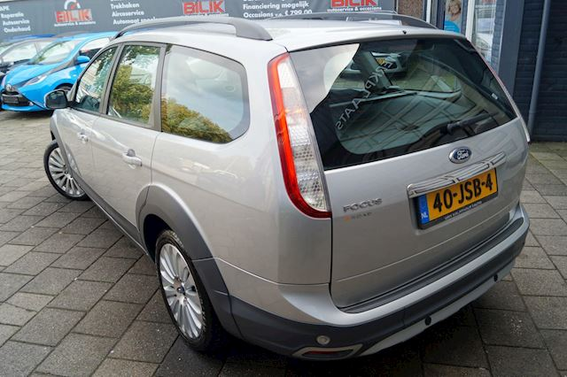 Ford Focus Wagon 1.6 Titanium / Clima / Cruise / Navi / X-Road