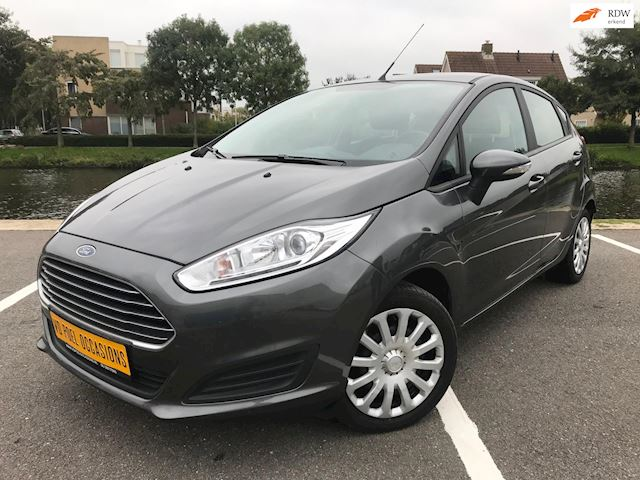 Ford Fiesta 1.0 EcoBoost Style AUTOMAAT AIRCO LAGE KM !
