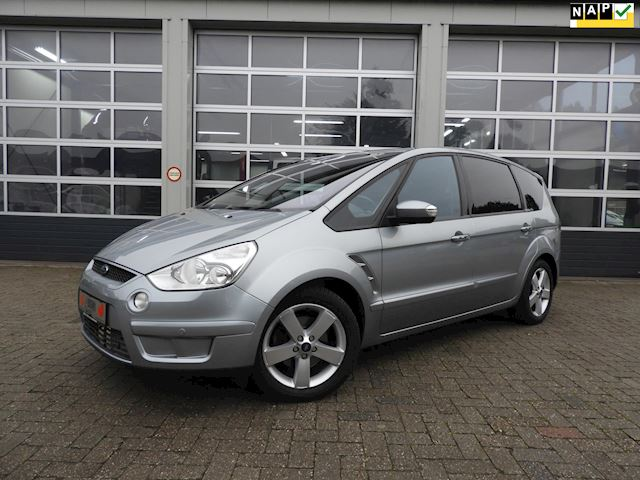 Ford S-Max 2.0-16V titanium 7 persoons