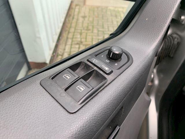 Volkswagen Transporter 2.5 TDI 340 Trendline DC NETTE BESTELWAGEN, AIRCO, RIJDT GOED,DSG DUBBELE SCHUIFDEUREN.