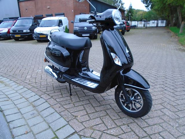 Turbho Scooter RL-125